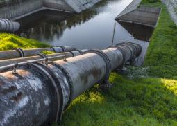 Approvvigionamento idrico, scarico e gestione delle autorizzazioni.